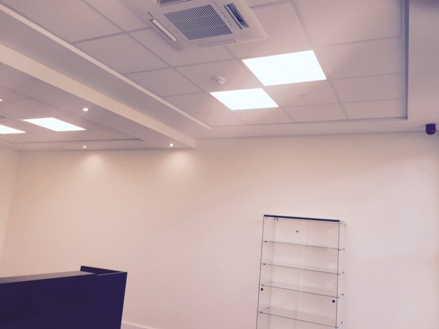 Ceiling & Air Conditioner